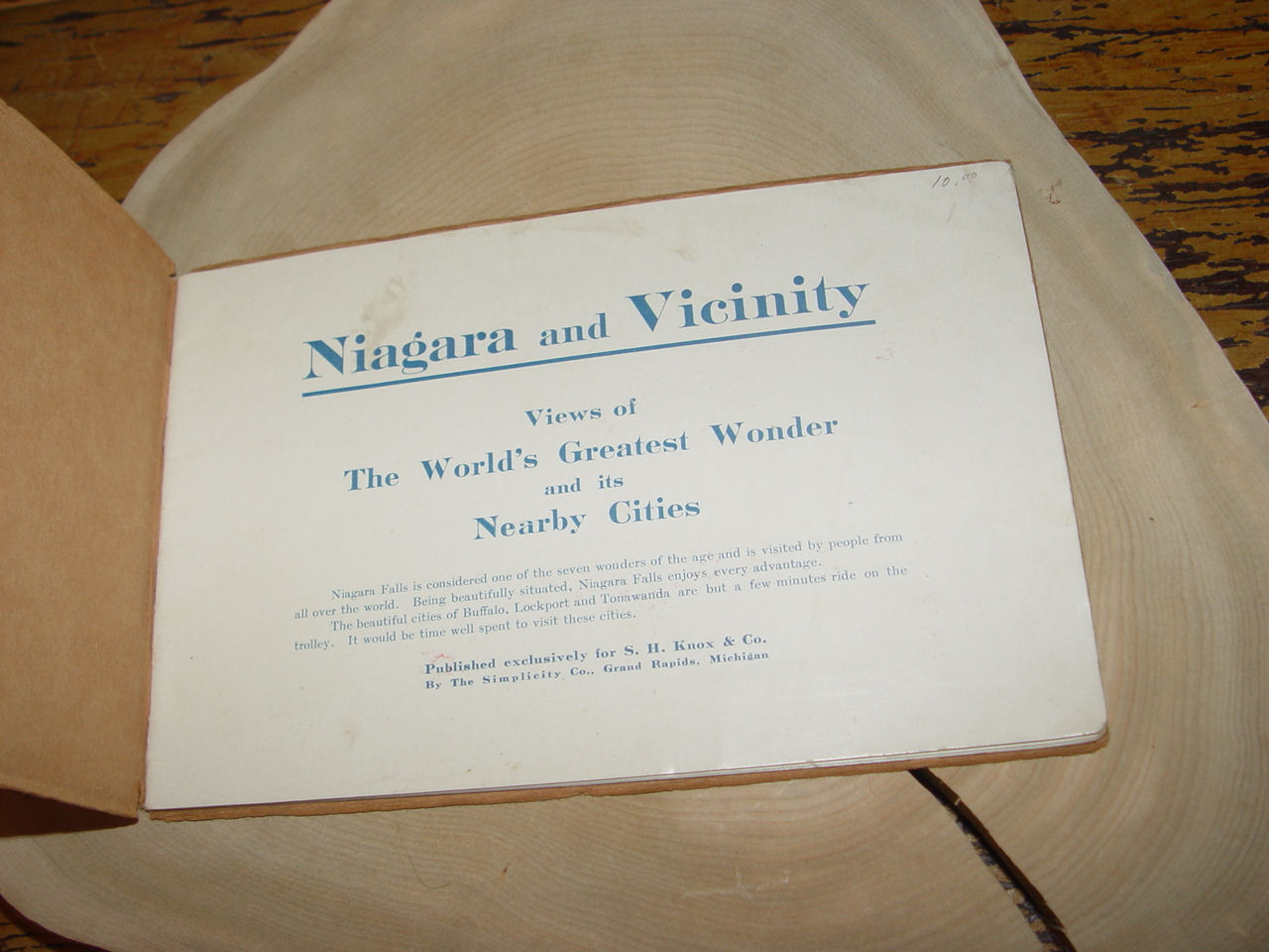 Niagara and                                         vicinity : views of the world's                                         greatest wonder and its nearby                                         cities. -- (1902) Travel Guide
