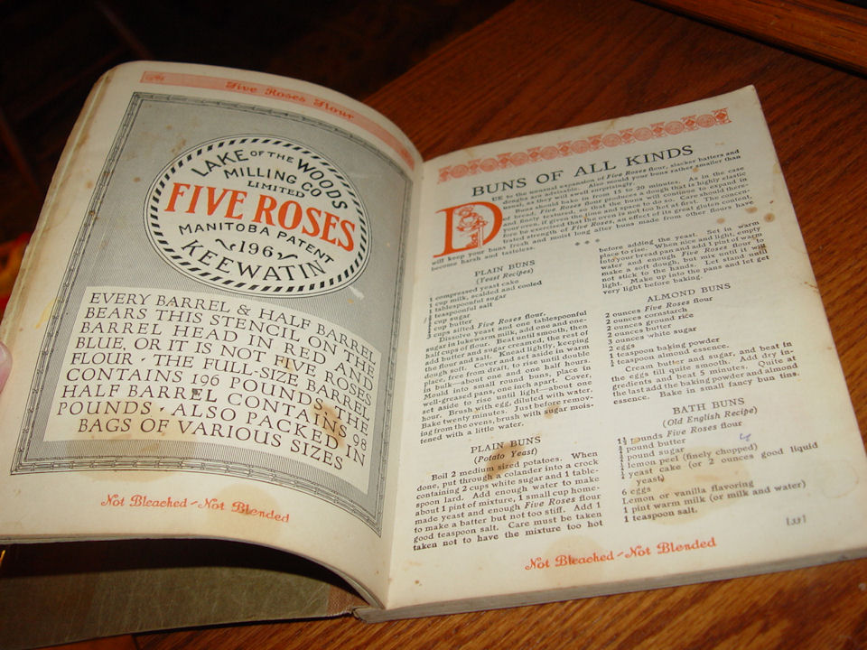 Five Roses Cook Book ~                                         Bread Pastry Etc. 1915 Lake of                                         the Woods Milling company First                                         Rare Edition