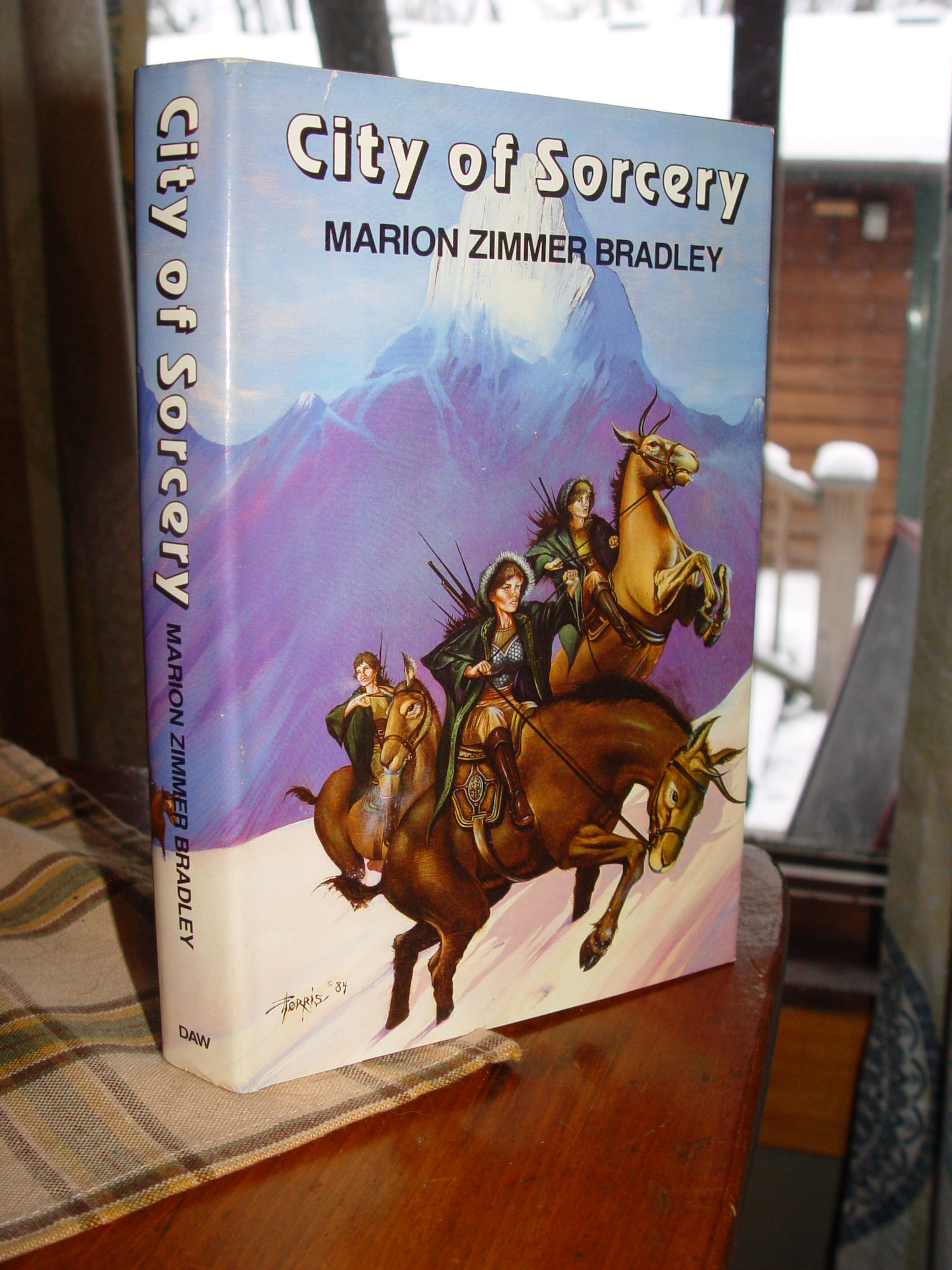 City Of Sorcery By Marion                                         Zimmer Bradley 1984 Hb Bradley                                         Book Club Edition, First                                         Printing